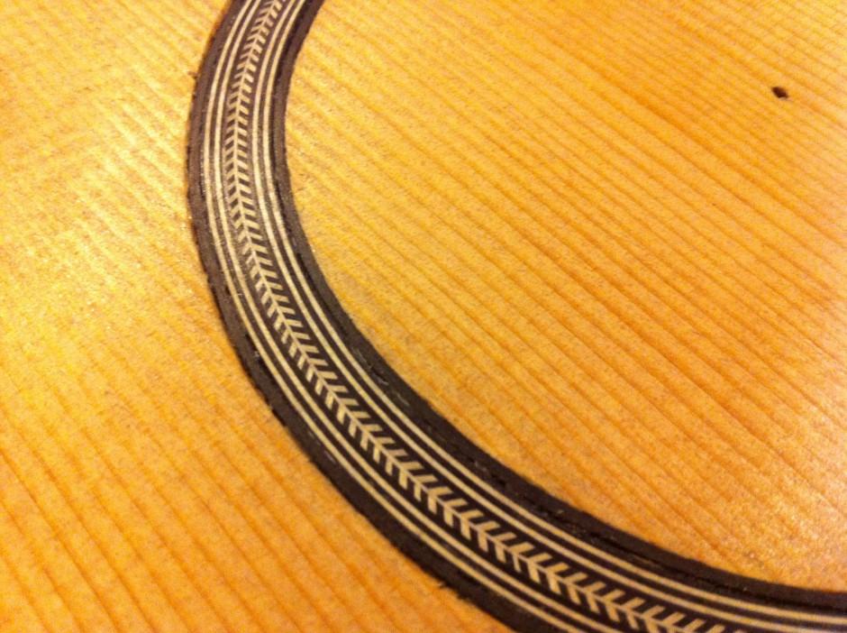 Gitarrbygge: Färdig ljudhålsdekoration